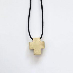 Kreuzanhaenger_Gold_Lederkette-Bindung-sohn-tochter-hochwertig-nachhaltig-kinderschmuck