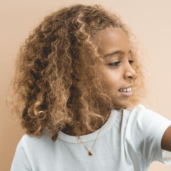 herz-anhaenger-ohne-brillant-kinderschmuck-junge-nachhaltig